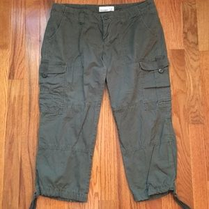 Old Navy Capri Pants